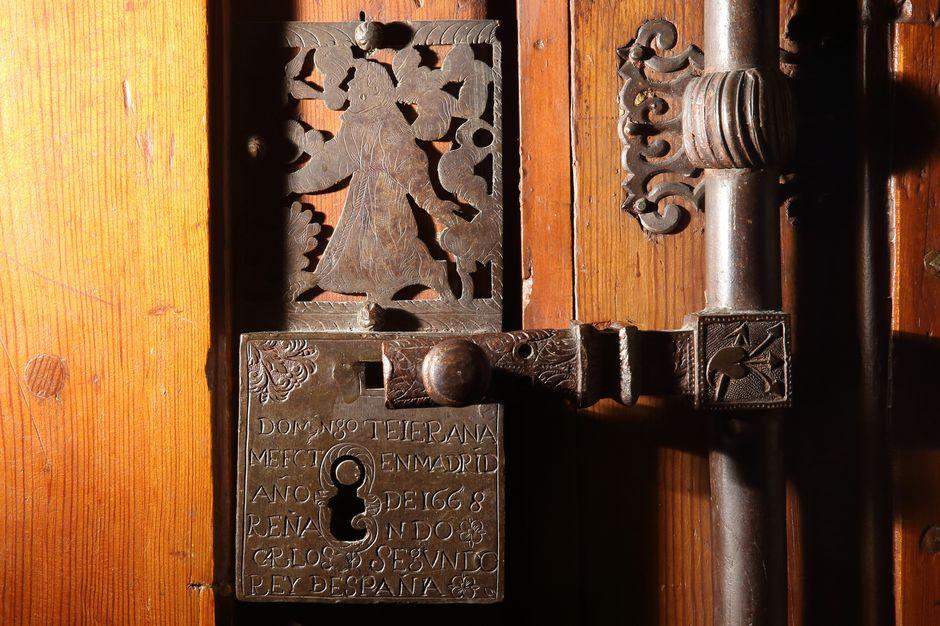 Detalle de la cerradura de la puerta