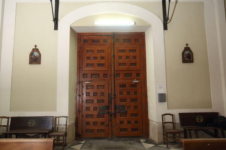 Puerta de entrada a la Capilla