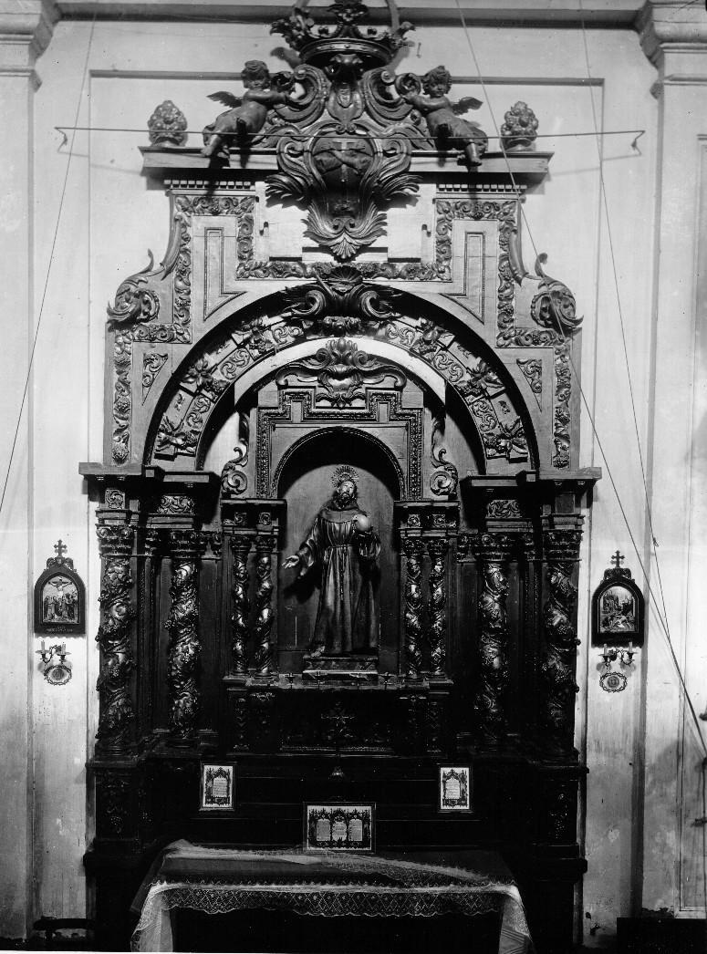 Retablo de San Francisco - Autor de la Obra S., Julián, Escuela - Autor foto Mariano Moreno 1916. Archivo Moreno. Fuente IPCE.